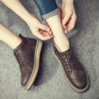 英伦复古布洛克工装靴沙漠马丁靴皮鞋