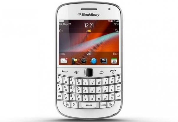 """黑莓变""""白莓"""",blackberry bold 9900白色版即将登场"""